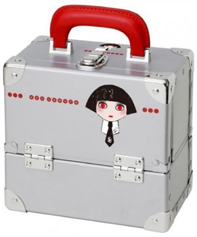 shu-uemura-karl-lagerfeld-make-up-box