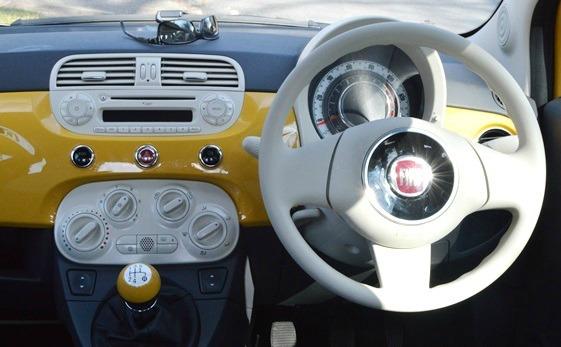 Fiat-500-TwinAir-Colour-Therapy-dash