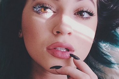 proof-that-kylie-jenner-really-hasnt-had-lip-surg-2-30357-1409758692-0_big