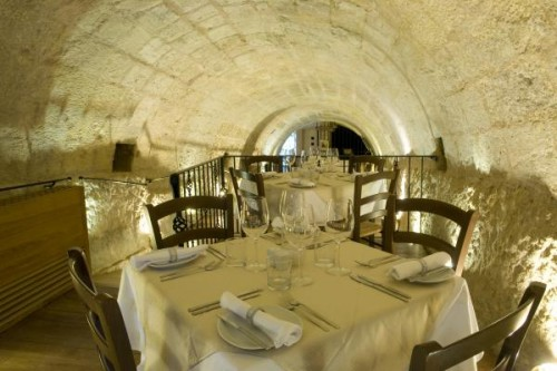 tunnel-dining-500x333