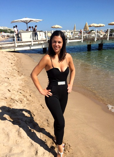 zoe-griffin-cannes-beach
